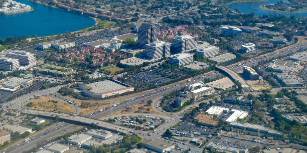 aerial-view-of-hi-tech-silicon-valley-at-bay-area-374YWUW