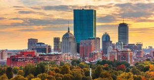 boston-massachusetts-usa-skyline-over-boston-commo-N84XDNB-1