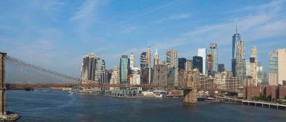 brooklyn-bridge-and-new-york-city-P293PZC