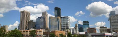downtown-minneapolis-minnesota-looking-southeast-P88XNS3